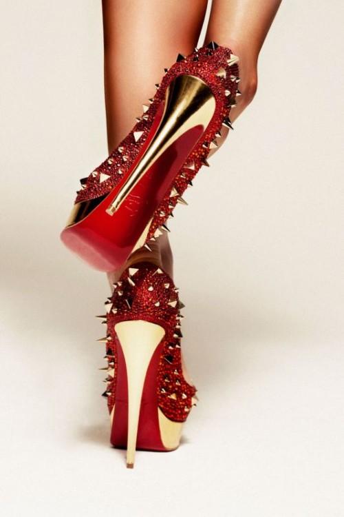 scarpe louboutin borchie