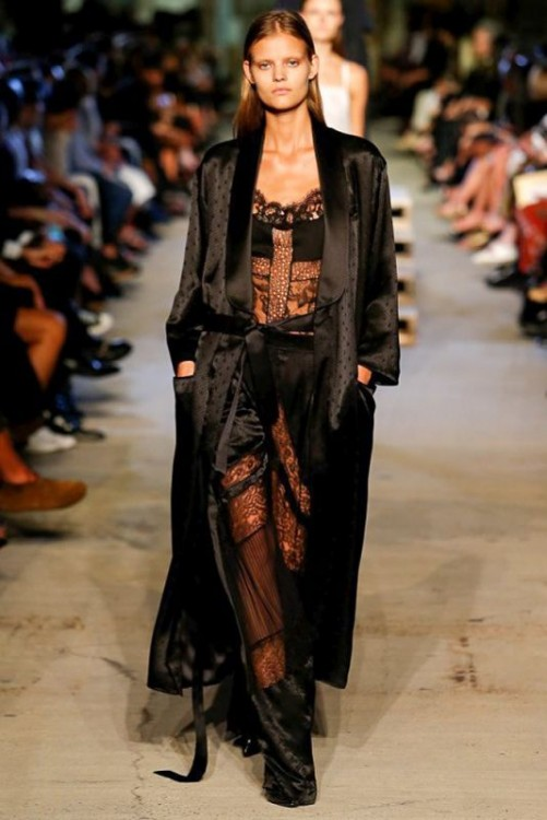 new-york-fashion-week-ss-2016-riccardo-tisci-givenchy-ss-2016-