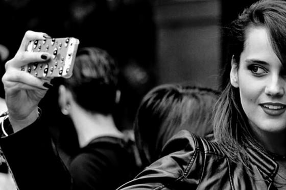 Milano-Fashion-Week-SS-2015-Catherine-Poulain-selfie