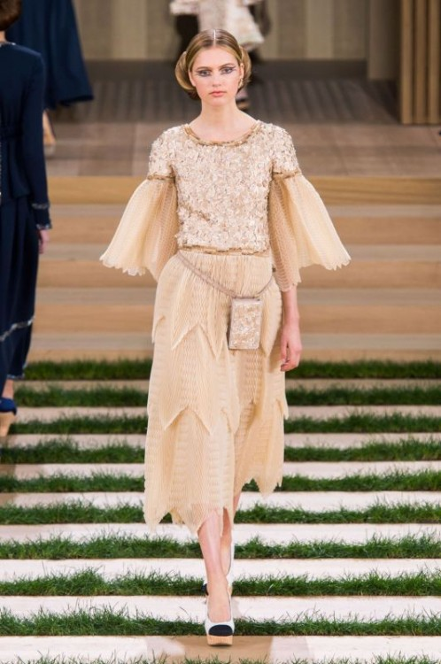 defile-chanel-haute-couture-printemps-ete-2016-
