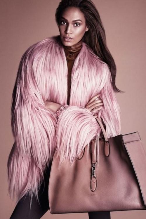 gucci-pelliccia-rosa-ai-2014-15