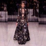 La fall winter 2016 di Alexander McQueen