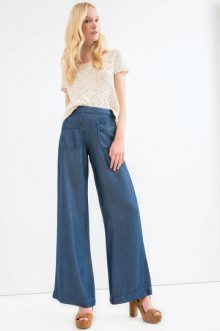 flare jeans casual chic